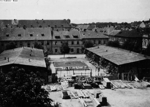 """ה""""גטו לדוגמה"""" היה למעשה מחנה ריכוז לכל דבר ורבבות אסירים מתו בו. מחנה טרזינשטט   מקור: ארכיון בית לוחמי הגטאות"""