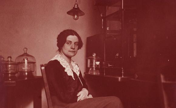 תרמה רבות להוכחת קיום של איזוטופים, ונרצחה במחנה השמדה נאצי. סטפני הורוביץ | מקור: Central Library for Physics, Vienna