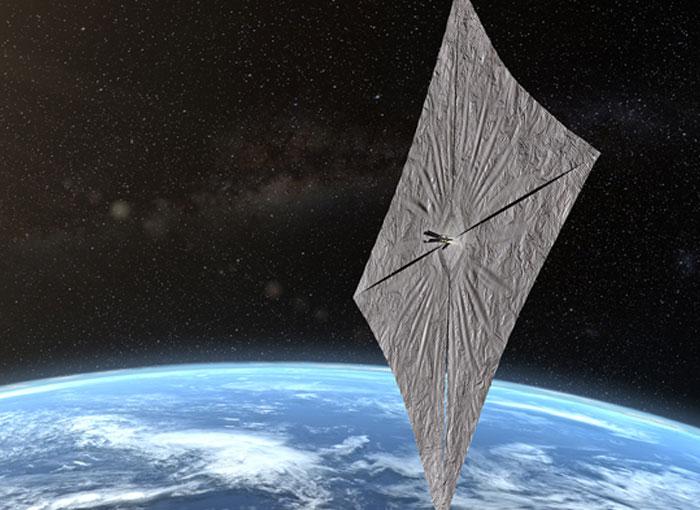 מפרש בשטח של 32 מטרים רבועים, ובעובי של פחות משערת אדם. החללית LightSail2 | הדמיה: האגודה הפלנטרית