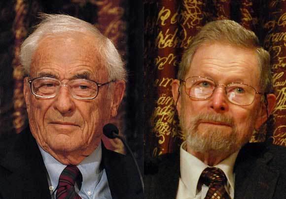סמית (מימין) ובויל באירועי פרס נובל, 2009 | צילום: Prolineserver 2010, Wikipedia/Wikimedia Commons
