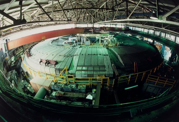 מאיץ החלקיקים במעבדות ברקלי בקליפורניה, שם ייצרו וגילו יסודות רבים | צילום: Science Photo Library
