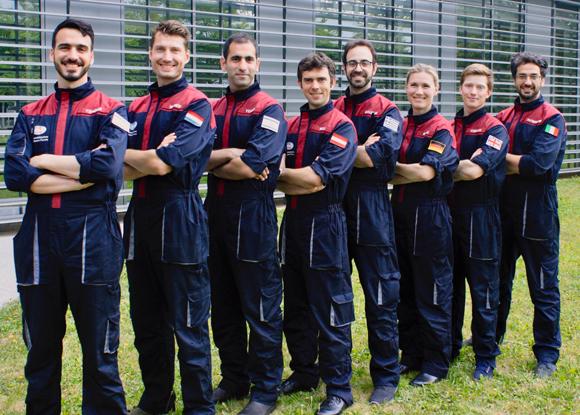 האסטרונאוטים האנלוגים החדשים. טנצר ראשון משמאל, יוסף שלישי | צילום: פורום החלל האוסטרי, OeWF