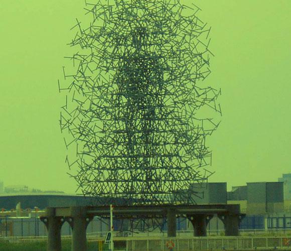 הענן. פסל בלונדון שתכנן בעזרת אלגוריתם של הילוך אקראי | צילום: Andy Roberts from East London, England, ויקיפדיה