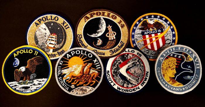 שש נחיתות מוצלחות על הירח מתוך שבעה נסיונות. תגי המשימה של משימות אפולו 11 עד אפולו 17 | צילום: NASA