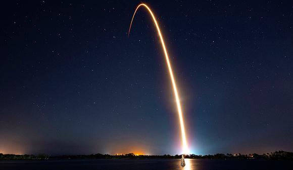 שיגור הטיל שנשא את בראשית   SpaceX