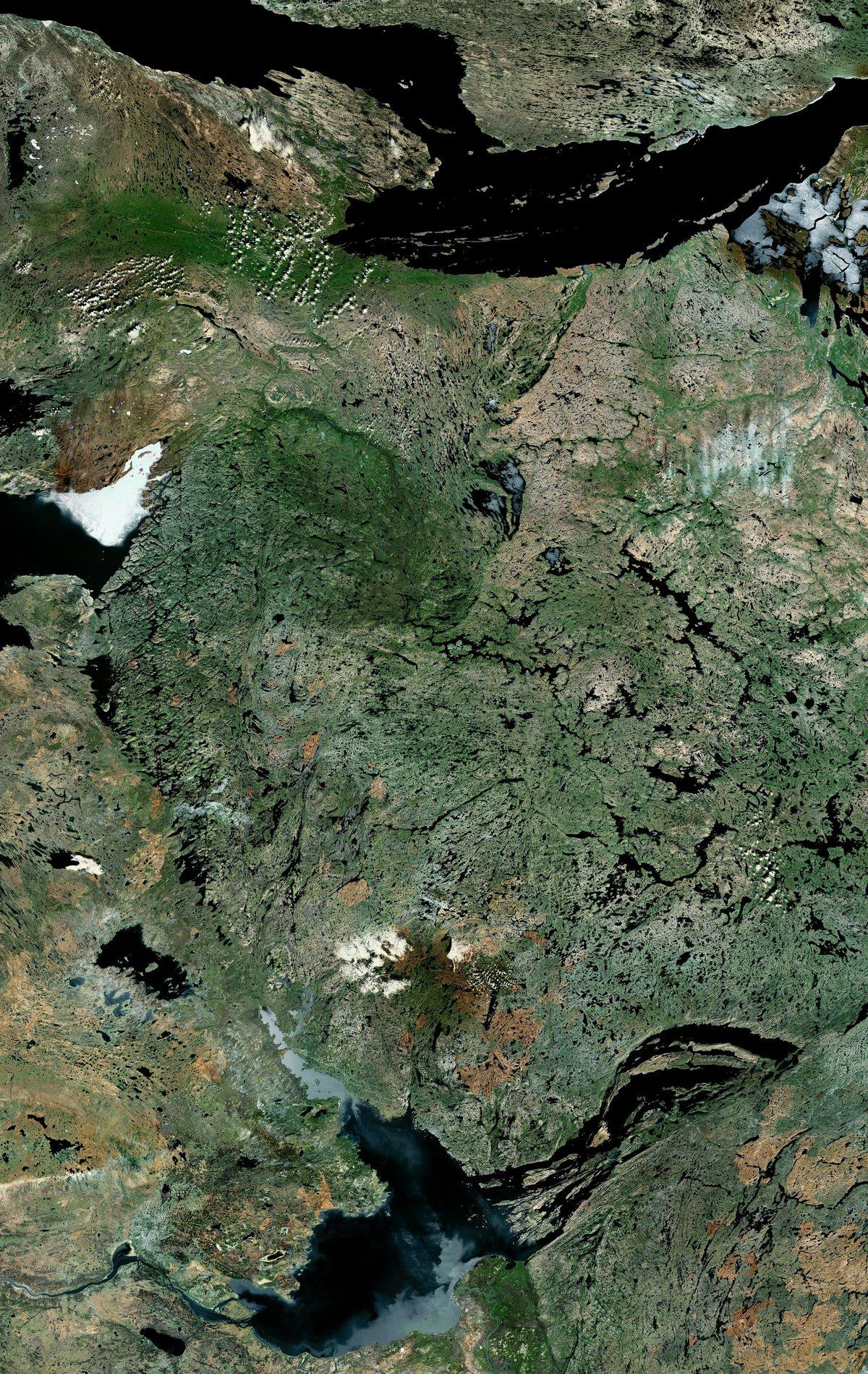 """תמונת לווויין של חלק מקראטון בגודל 300 אלף קמ""""ר בקנדה, spl"""