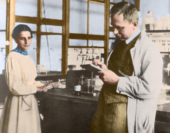 מייטנר והאן במעבדה | צילום: SCIENCE SOURCE / SCIENCE PHOTO LIBRARY