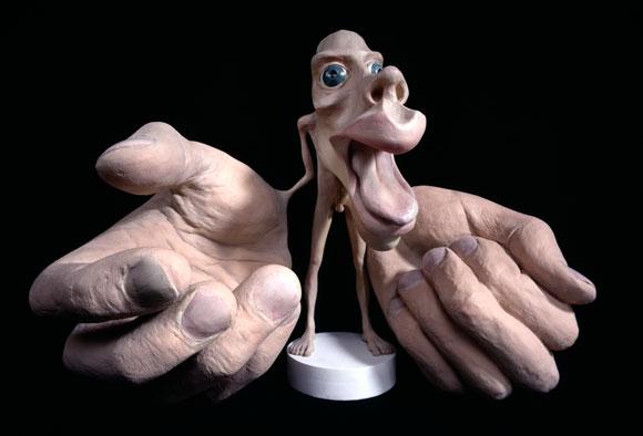 בובת הומונקולוס: גודל האיברים משקף את מידת הייצוג התחושתי שלהם בקליפת המוח | מקור: Science Photo Library