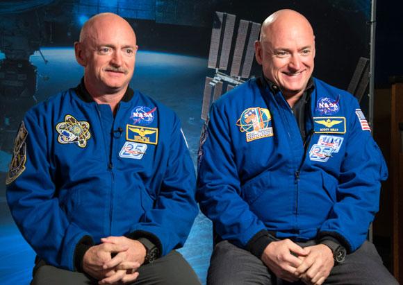אירוע נדיר ביותר, תאומים זהים אמריקאים ששניהם גם אסטרונאוטים: סקוט (מימין) ומארק קלי| צילום: NASA
