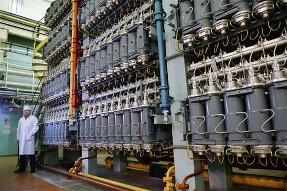 צנטריפוגות גז במפעל להעשרת אורניום ברוסיה   Sputnik, Science Photo Library