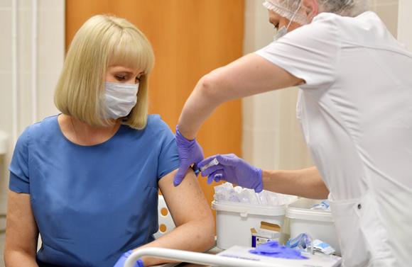 החיסון אושר, הניסוי ממשיך | צילום: SPUTNIK / SCIENCE PHOTO LIBRARY