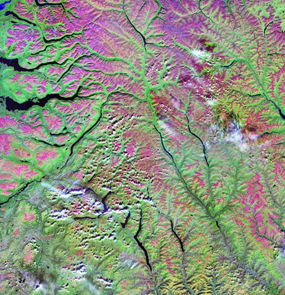 תמונת לווין של אזור עשיר בבזלת בסיביר | NASA, Science Photo Library