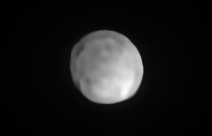 אסטרואיד הַייְגֵיאַה כפי שצולם על ידי הטלסקופ הגדול בצ'ילה | ESO