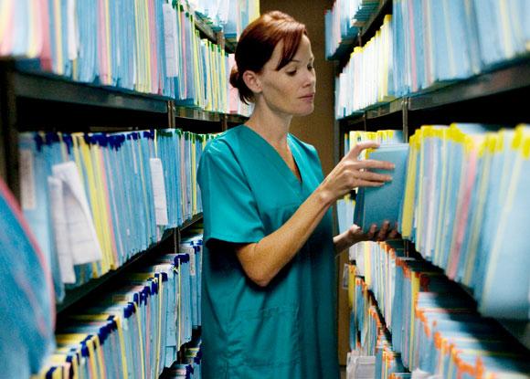 ארכיון תיקים מנייר | צילום: Science Photo Library