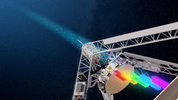 טלסקופ הרדיו ASKAP מודד את הפרשי הזמן בהגעת אורכי גל שונים, מה שמאפשר לחשב עד כמה גדלי הרדיו התפזרו בדרך בגלל חומר שפגשו | איור: ICRAR and CSIRO/Alex Cherney