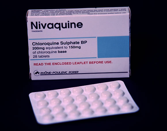 אריזת גרסה גנרית של אחת התרופות על בסיס כלורוקווין | צילום: JOSH SHER / SCIENCE PHOTO LIBRARY
