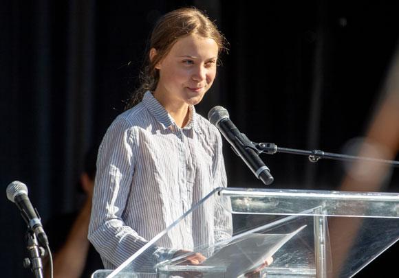 הפעילה השבדית גרטה טונברי נואמת בכינוס במונטריאול | צילום: ויקיפדיה, Lëa-Kim Châteauneuf