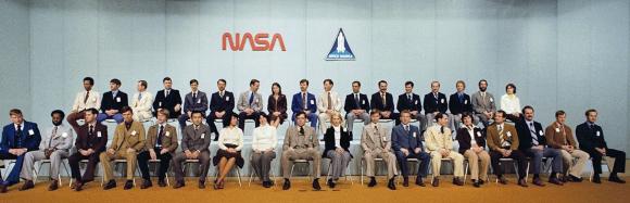 35 חברי וחברות קבוצת האסטרונאוטים שהוצגה ב-1978 | צילום: NASA