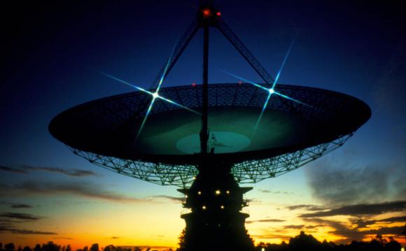 טלסקופ הרדיו פארקס, אוסטרליה | צילום: DR SETH SHOSTAK / SCIENCE PHOTO LIBRARY