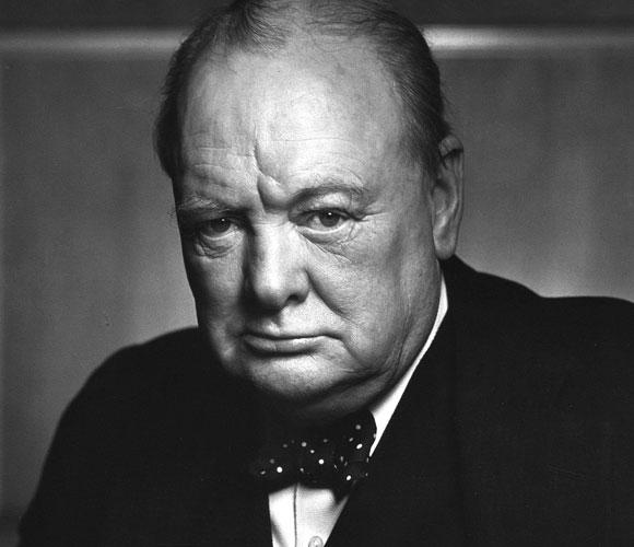 למד רבות ממנהיגים היסטוריים שקדמו לו. וינסטון צ'רצ'יל שהנהיג את בריטניה במלחמת העולם השנייה | ויקיפדיה, נחלת הכלל