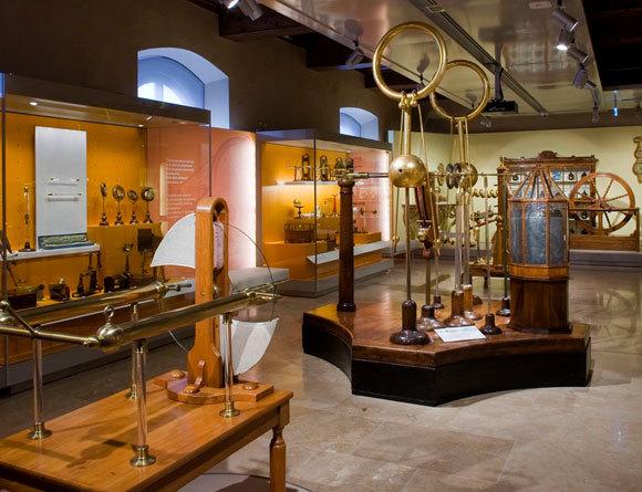 מגוון עצום של מכשירים מדעיים מאז ימי הביניים. מוזיאון גלילאו | צילום מאתר המוזיאון