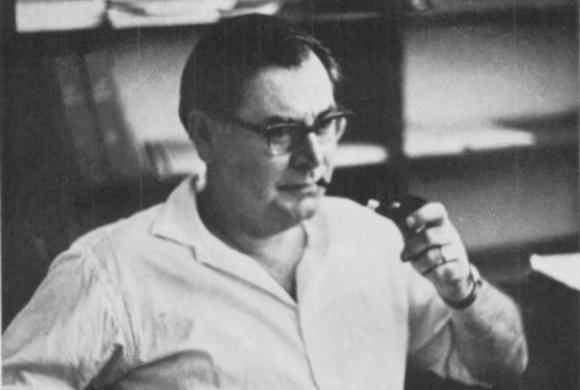 שמידט במשרדו במכון ויצמן למדע | מקור: האגודה הישראלית לכימיה