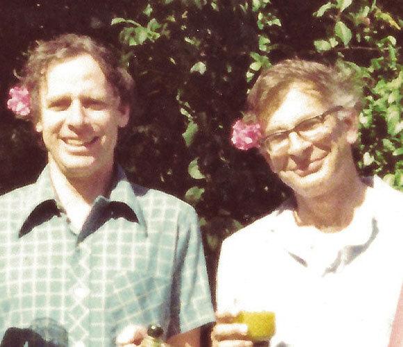 כהנמן (מימין) וטברסקי בשנות ה-70, בתקופת המחקר שהוביל למאמר | מקור: ברברה טברסקי