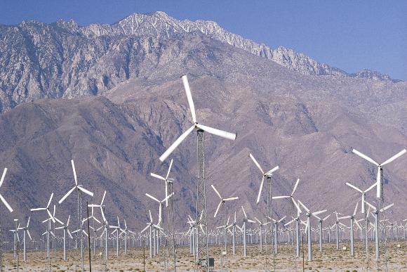 הפקחת חשמל מאנרגיית הרוח בקליפורניה | צילום: Shutterstock