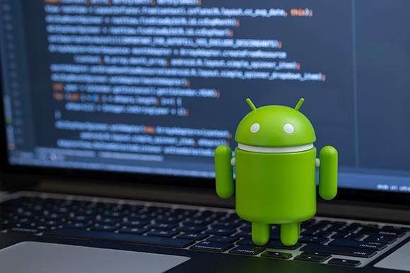 אנדרואיד, ששמו אומץ למערכת ההפעלה של טלפונים חכמים | צילום: quietbits, Shutterstock