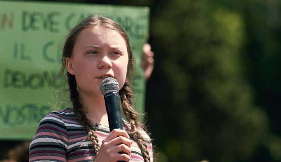 גרטה תונברג נואמת בהפגנת אקלים ברומא, אפריל 2019 | Shutterstock