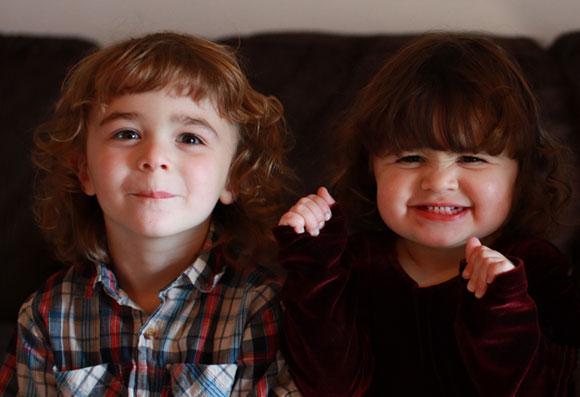 כששתי ביציות משתחררות מהשחלה ושתיהן מופרות נולדים תאומי אחווה. תאומים לא זהים | צילום: Shutterstock