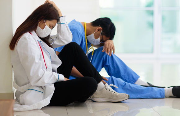 רופאים מותשים