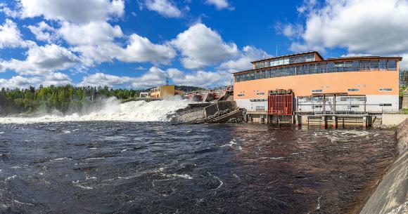 סכר של תחנת כוח הידרואלקטרית בשוודיה | צילום: Mariusz Hajdarowicz, Shutterstock