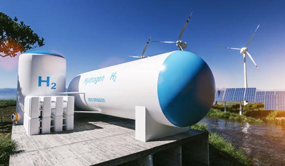 מיכל מימן על רקע טכנולוגיות לייצור אנרגיה ממקורות מתחדשים | צילום: Alexander Kirch, Shutterstock