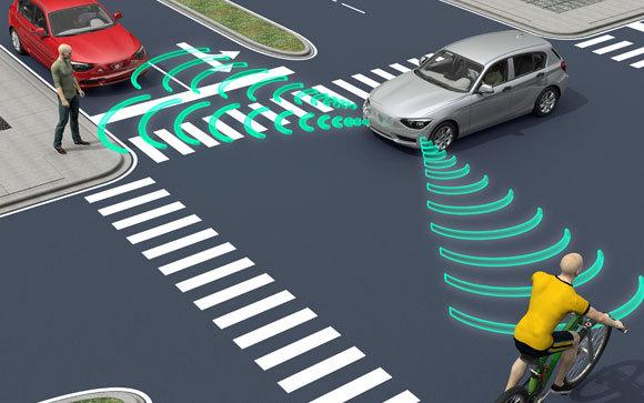 אילוסטרציה של מכונית אוטונומית נוסעת בכביש | Shutterstock, posteriori