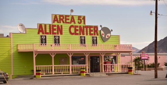 """""""מרכז חייזרים"""" תיירותי בנוואדה, סמוך ל""""אזור 51""""  צילום: Clayton Harrison, Shutterstock"""