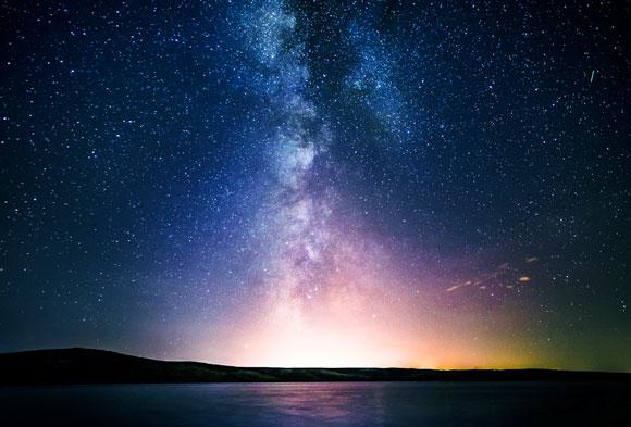 כל המים בגלקסיה לא יועילו כנראה לכיבוי השמש. גלקסיית שביל החלב | צילום: Shutterstock