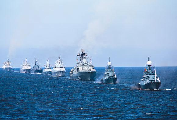 שיירה של ספינות צבא רוסיות | Shutterstock, Tsuguliev