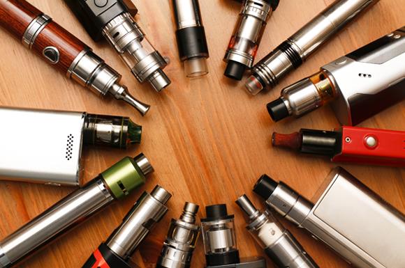 הסיגריה האלקטרונית היא מאדה שפועל באמצעות סוללות | צילום: Shutterstock