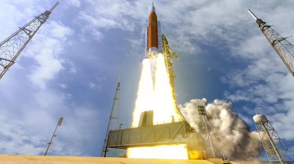 שיגור חללית אוריון על גבי טיל SLS | הדמיה: NASA