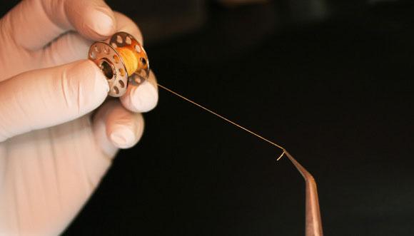 אריגת כלי דם מהחוט הביולוגי. צילום: Nicolas L'Heureux